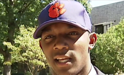 WATCH: 4-star PF commits to Clemson