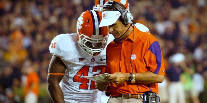 It would be a shock if Kevin Steele's headset goes out this time around