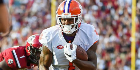 Former Clemson WR signs with Chargers