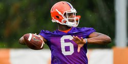 Buttoning up:  Redshirts, younger players highlight final practice in Clemson