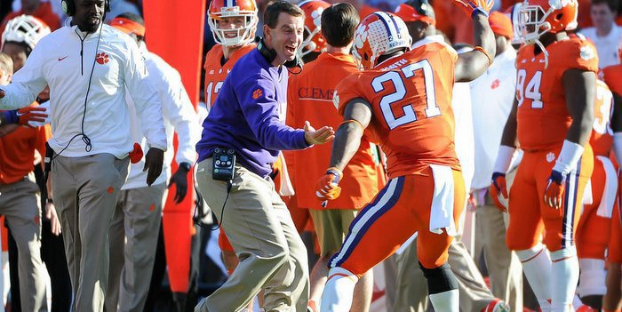 Swinney reacts during the 2014 win over South Carolina