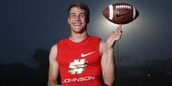 Hunter Johnson proves he's among the nation's elite quarterbacks