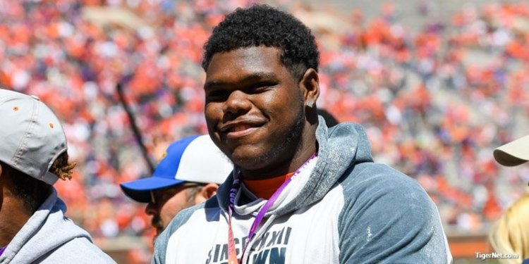 4-star defensive tackle commits to Clemson
