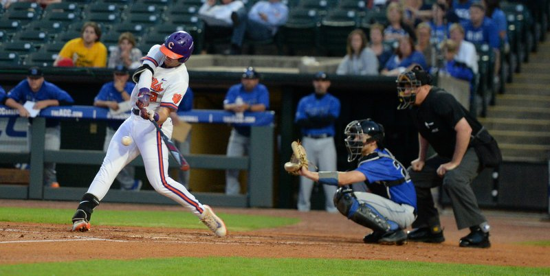 Tigers deviled by Duke in lackluster ACC loss