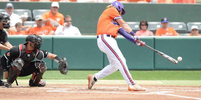 Clutch hit eludes Tigers in game one against Louisville