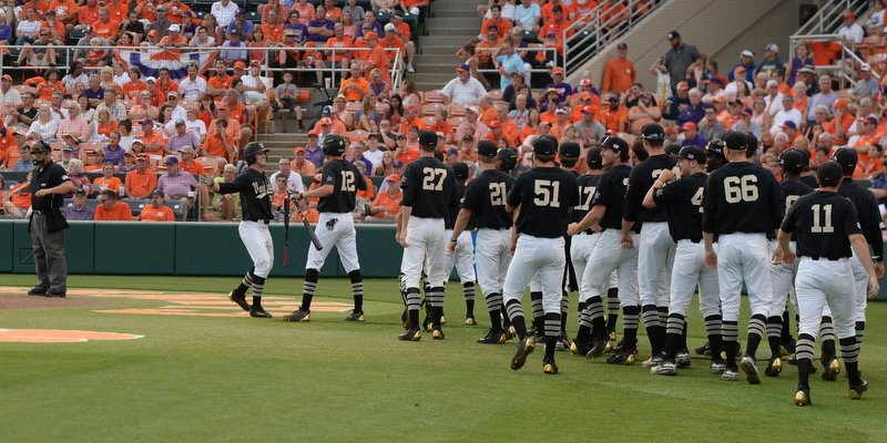 Wright, Commodores push Clemson into loser's bracket