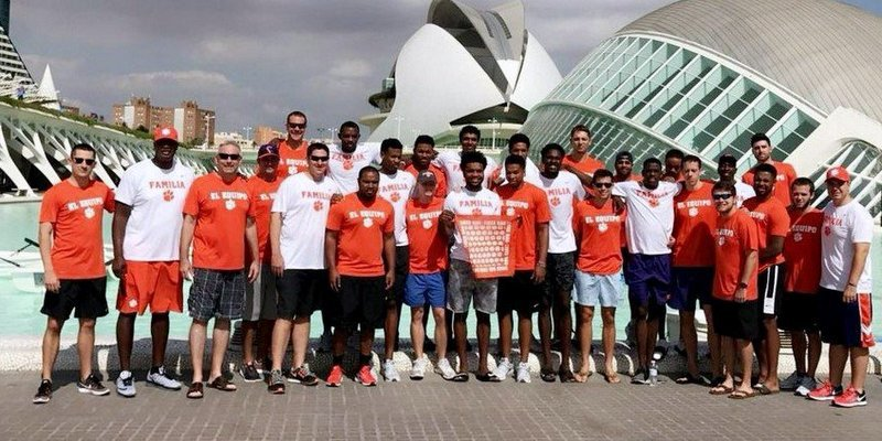 The team poses for a picture in Spain earlier this week (Photo courtesy of Clemson basketball)