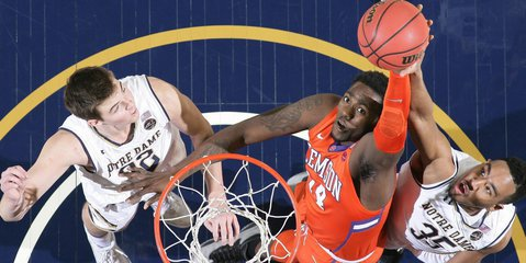 Clemson looks for two straight at Pitt