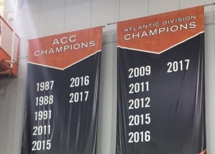 Photo: 2017 ACC Championship added to Clemson banner