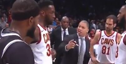 WATCH: Booker hilariously sneaks into Cavs' huddle