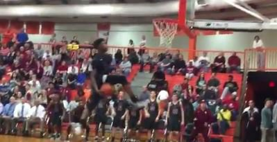 WATCH: Higgins with between-the-legs windmill dunk