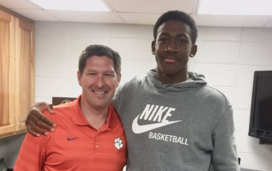 Four-star 2018 center commits to Clemson