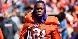 Former Clemson DB down to three schools