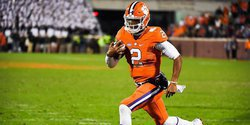 Ferocious Dog: Quarterback guru says don't overlook Kelly Bryant