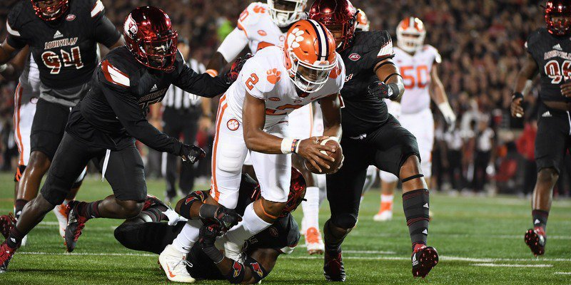 Kelly Bryant scores early in the first half
