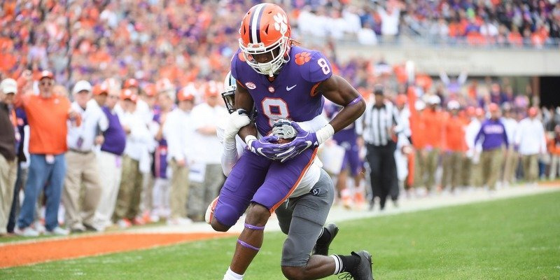 Deon Cain caught an early touchdown pass from Kelly Bryant