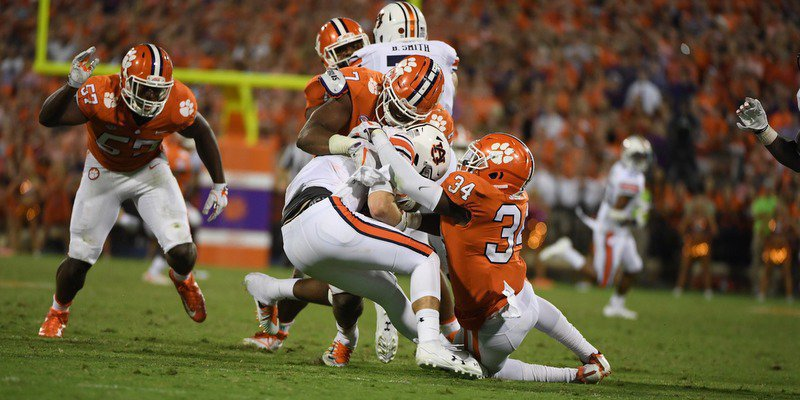Slobberknocker in the Valley: Clemson shows why they are a dominant program