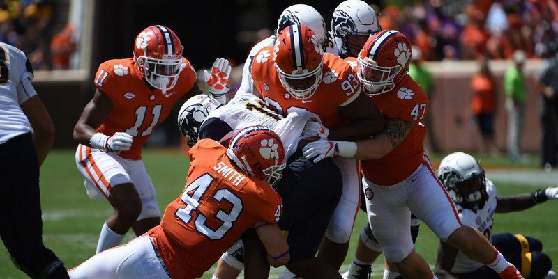 Clemson held Kent St. to 120 total yards