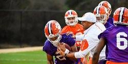 Elliott says depth chart questions likely to last into fall camp