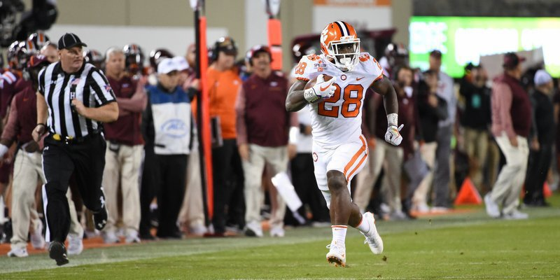 Feaster scores the game's first touchdown