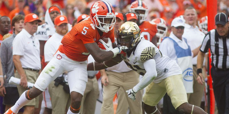Tee Higgins fights for yardage Saturday (Photo by Joshua S. Kelly, USAT)