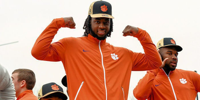 Mike Williams is now a Los Angeles Charger
