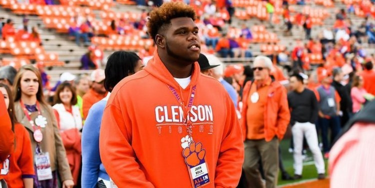 Elite DT commit signs his FAA with Clemson