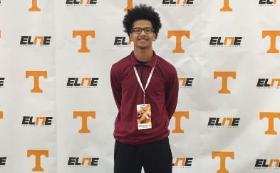 Hill committed to Auburn in August and holds a number of major offers <br> (Picture per his Twitter account).
