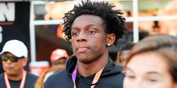 Clemson offers son of former NFL star