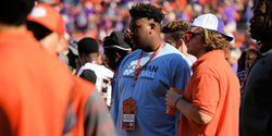Clemson offers in-state 2018 OT