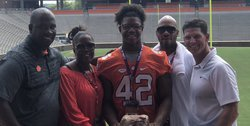Georgia commit breaks down visit to Clemson with his family