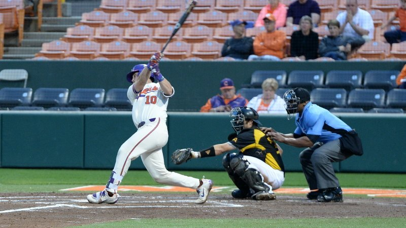 Davidson homers and drives in four as Tigers rout Owls