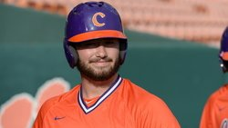 Rankings: Improved bats move Clemson up ranks