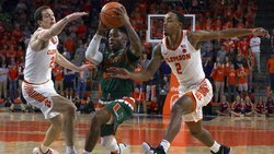 Grantham, 3-pointers power Clemson past ranked Miami