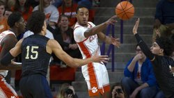 DeVoe, Tigers rain 3-pointers in rout of Pitt