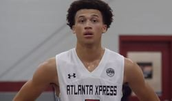4-star guard commits to Clemson