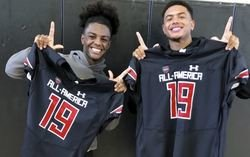 Clemson LB commit presented All-America Game jersey