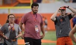 3-star OL commits to Clemson