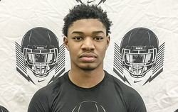 Clemson makes top schools for 5-star LB