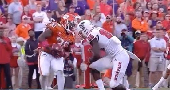 WATCH: Williams outbattles WR for 2nd career interception