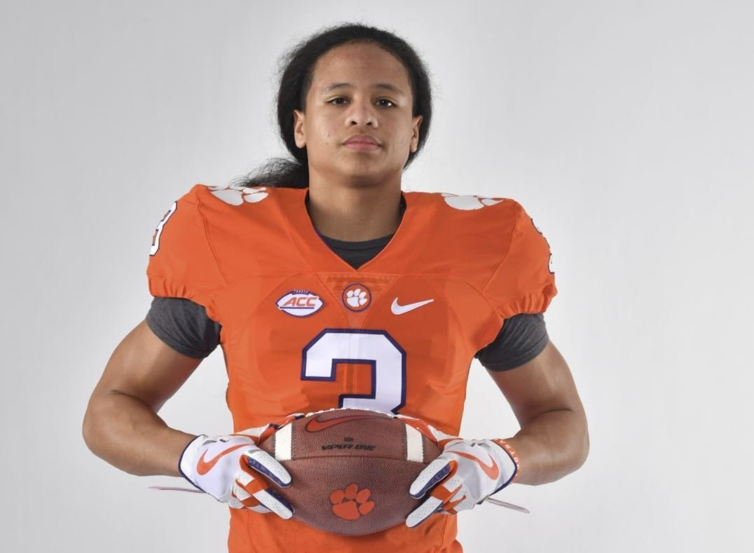 Fast-rising safety prospect commits to Clemson