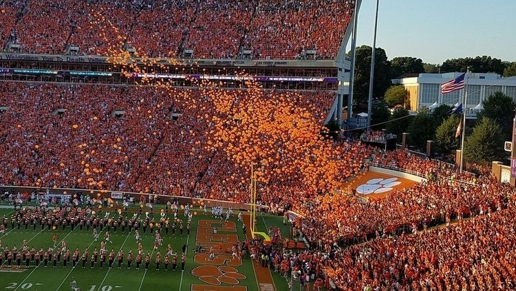 No more balloons before kickoff at Clemson
