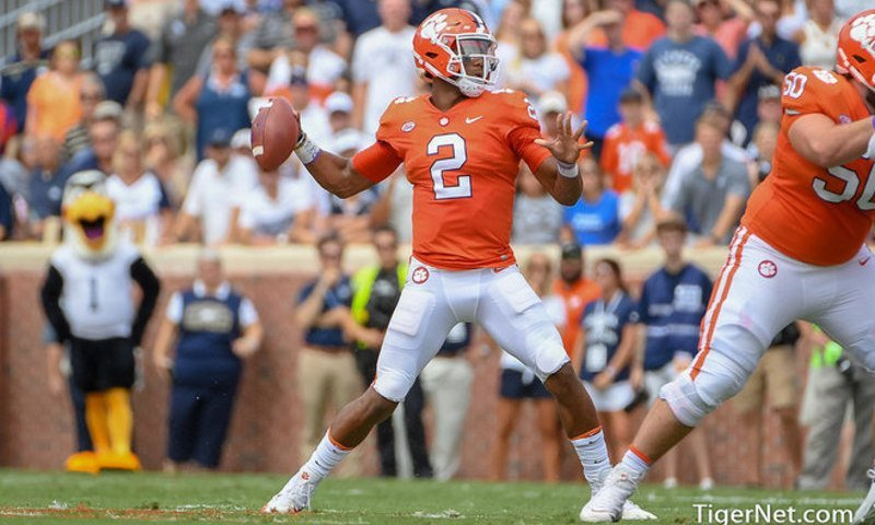 Swinney details 'emotional' conversation with Kelly Bryant