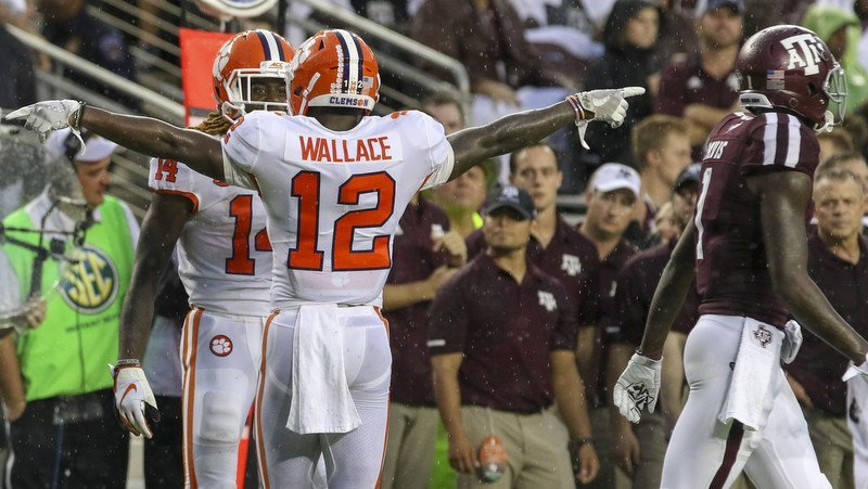 K'Von celebrates near the end of Clemson's win over Texas A&M (Photo by John Glaser, USAT)
