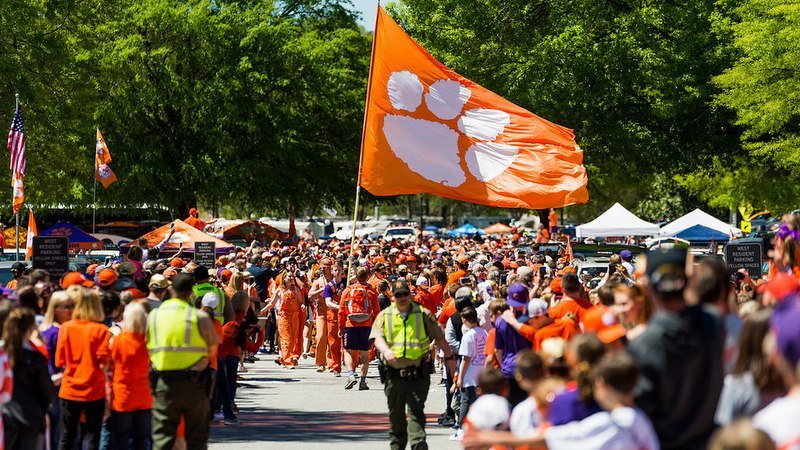 Fans wait for Tiger Walk at last year's spring game