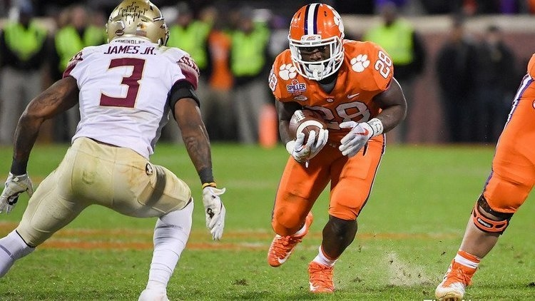 Report: Clemson RB in transfer portal contacted by CFP teams