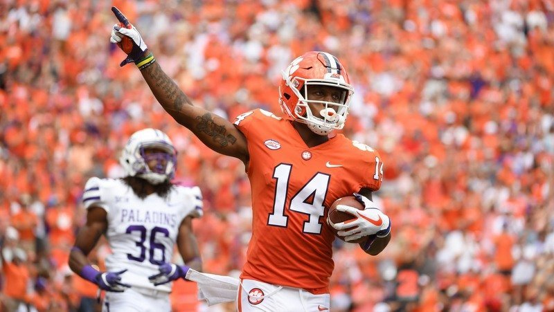 Thirteen Clemson athletes receive degrees
