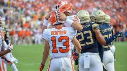 Volunteers coming forward for QB, but Hunter Renfrow gets his shot