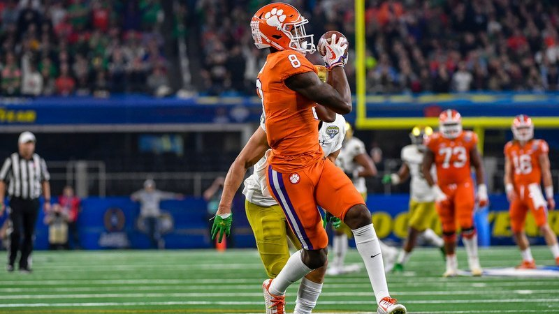 Justyn Ross makes a big catch against the Irish