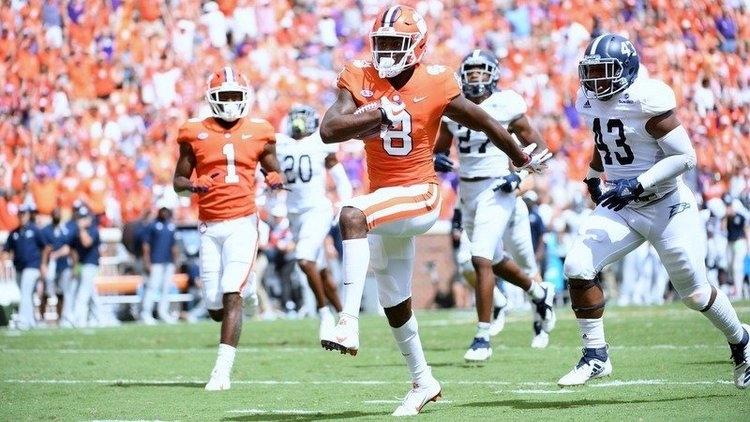 Twitter reacts to Justyn Ross being out for season